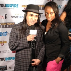 smile from The Lower East Side on the Red Carpet at PopCon 2012 with Ashlee from Jade Umbrella